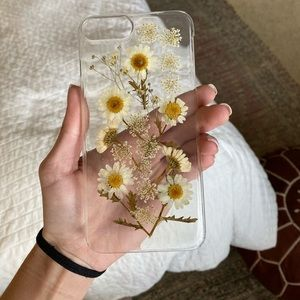 iPhone 8 PLUS dried flowers case🌼🌻